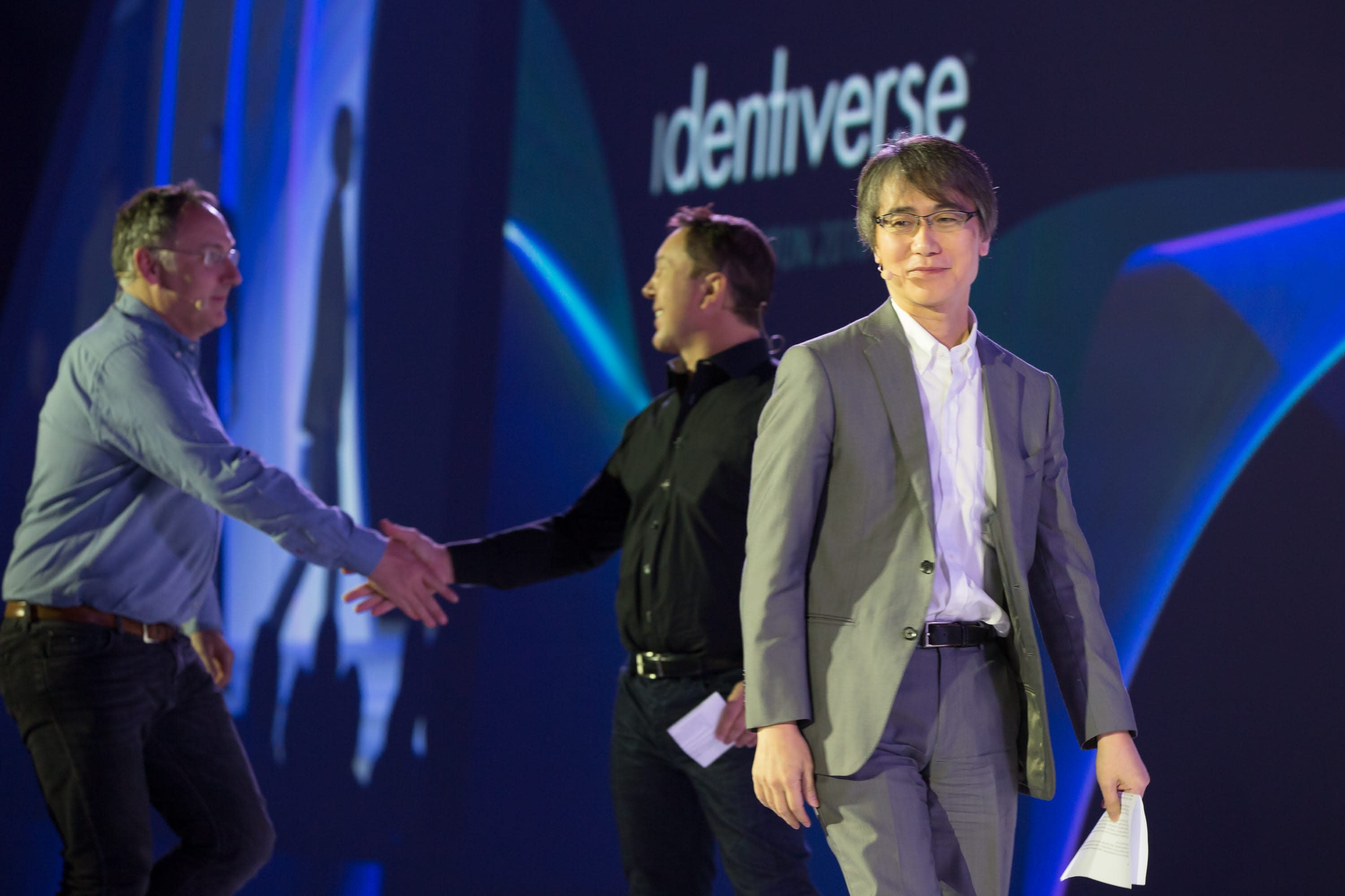Nat Sakimura, co-chair of the FAPI WG, after accepting an industry award for related work at 2018 Identiverse.